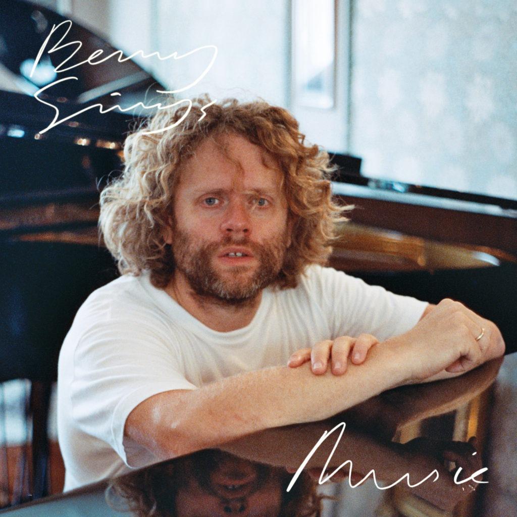Benny_Sings_Music
