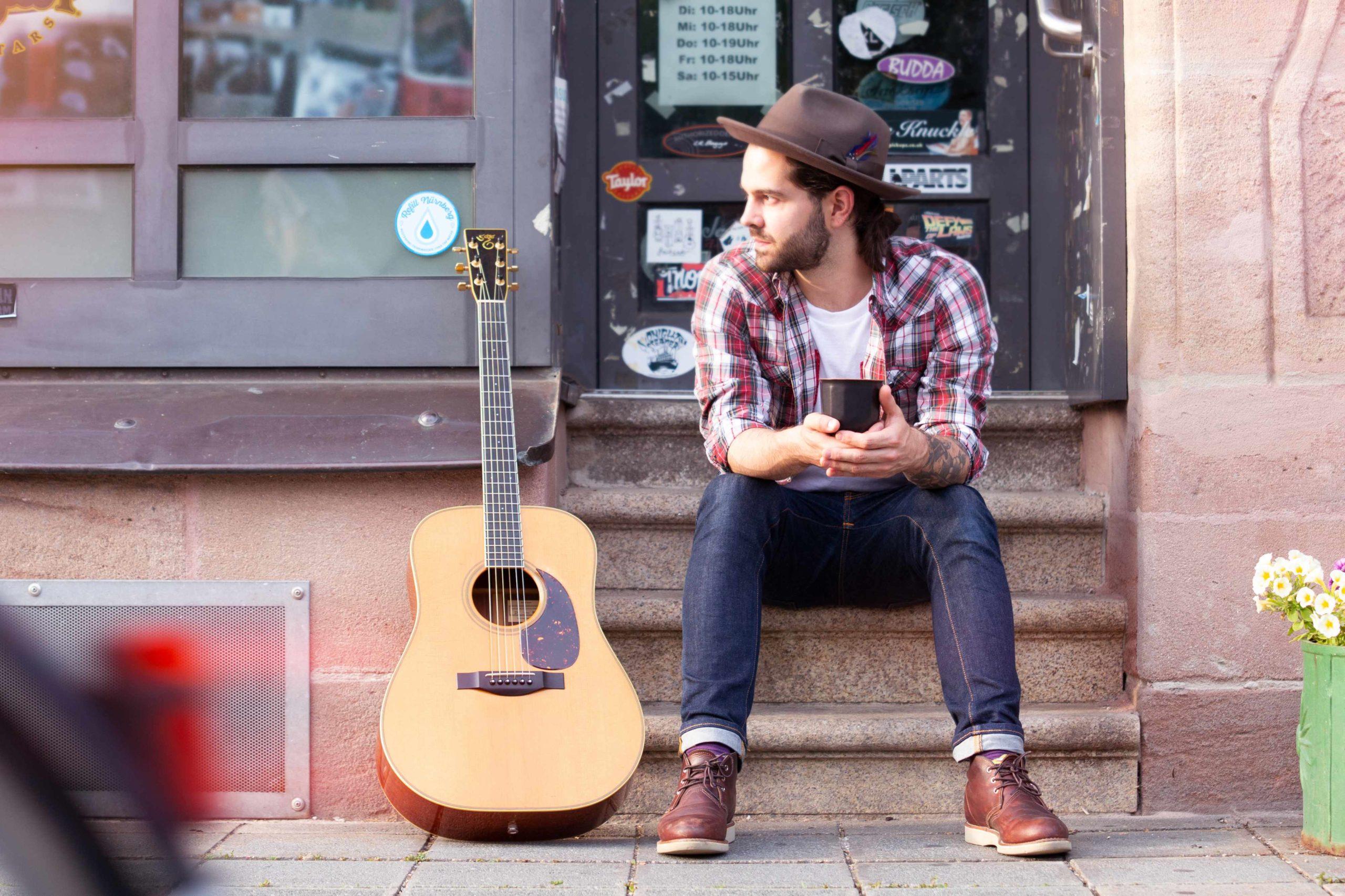 John Steam Jr. – Folk & Blues auf Simple